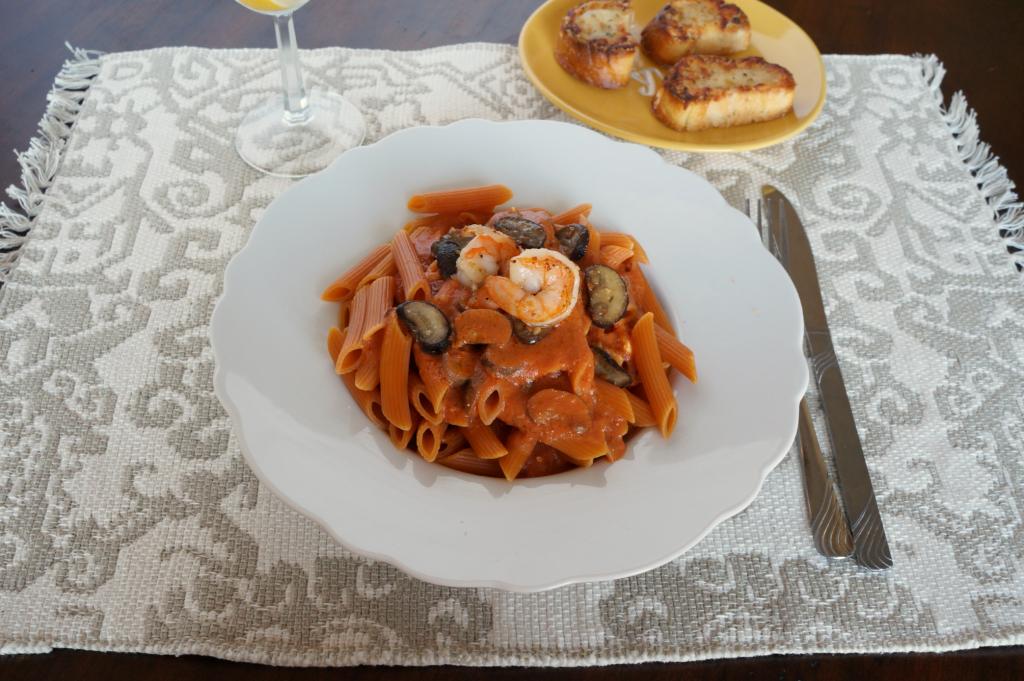 creamy shrimp and mushroom pasta | The Baking Fairy
