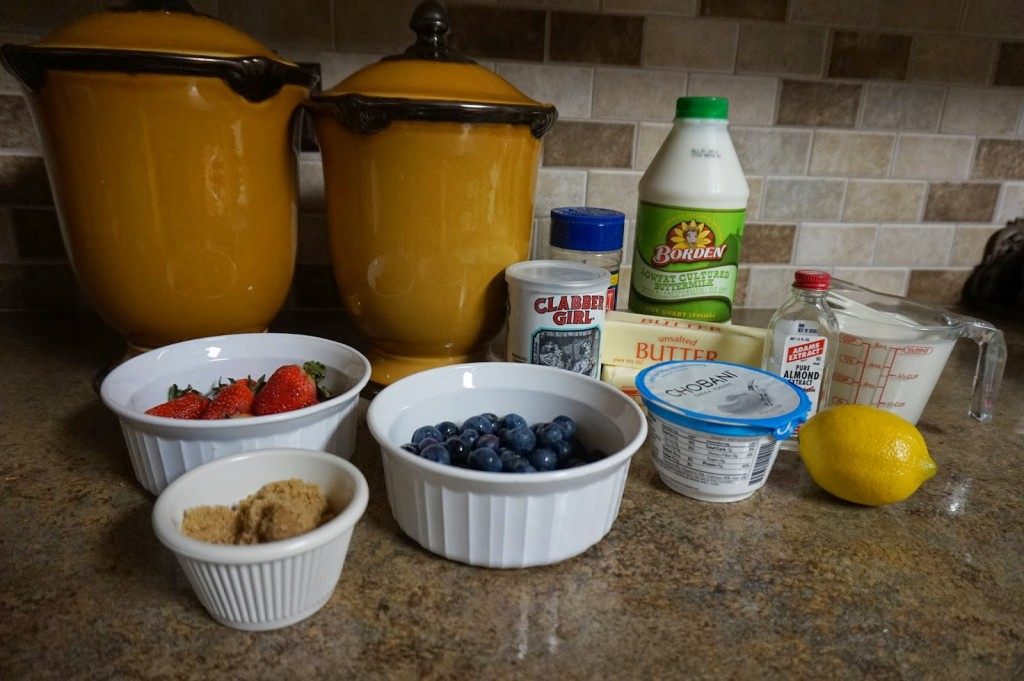 mixed berry drop cakes { A Blonde & a Border Collie guest post } | The Baking Fairy