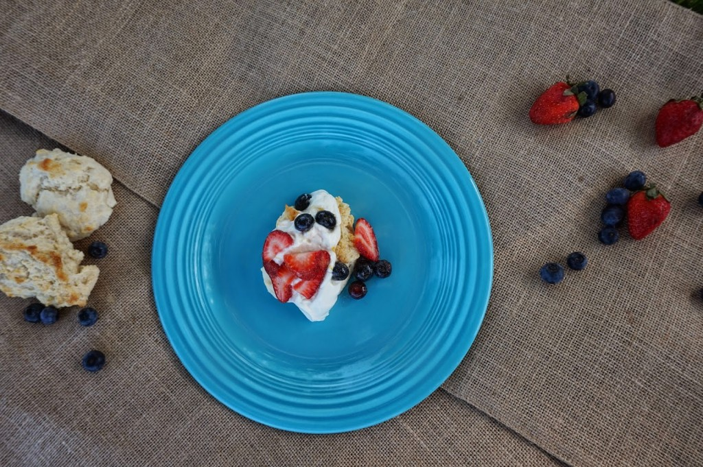 mixed berry drop cakes {A Blonde & a Border Collie guest post } | The Baking Fairy