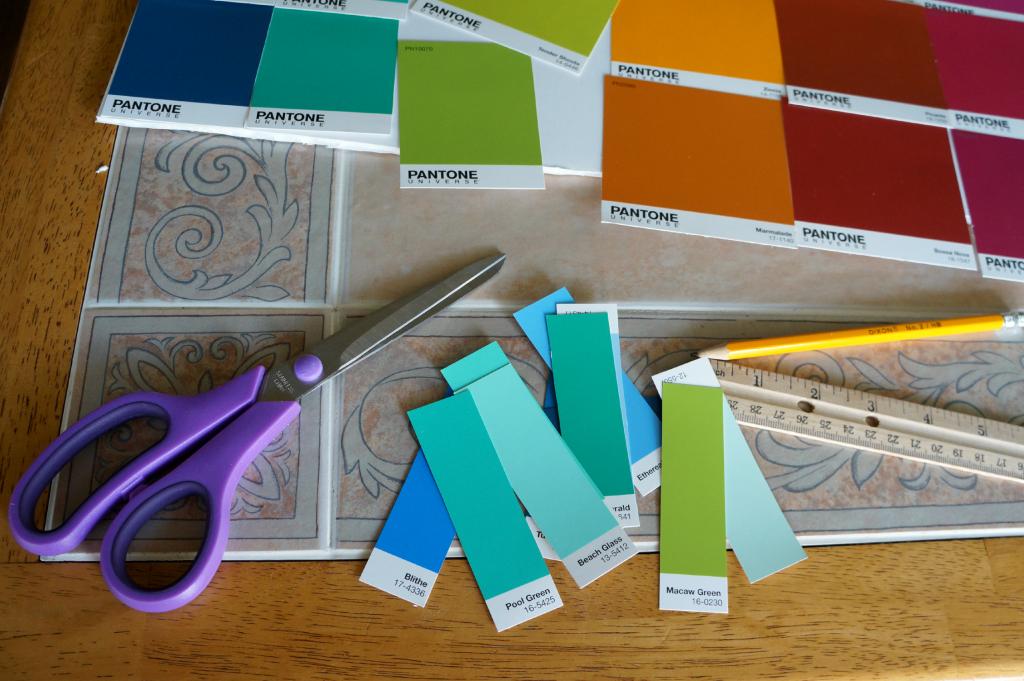 dry-erase paint chip calendar | The Baking Fairy