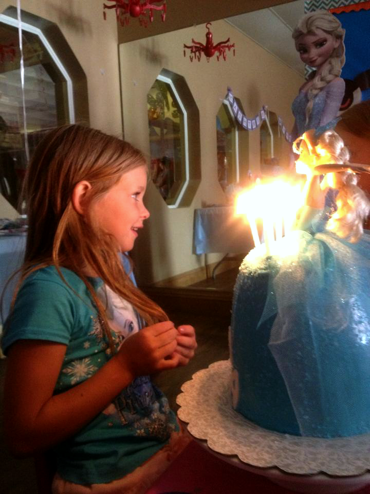 Queen Elsa Frozen birthday cake | The Baking Fairy