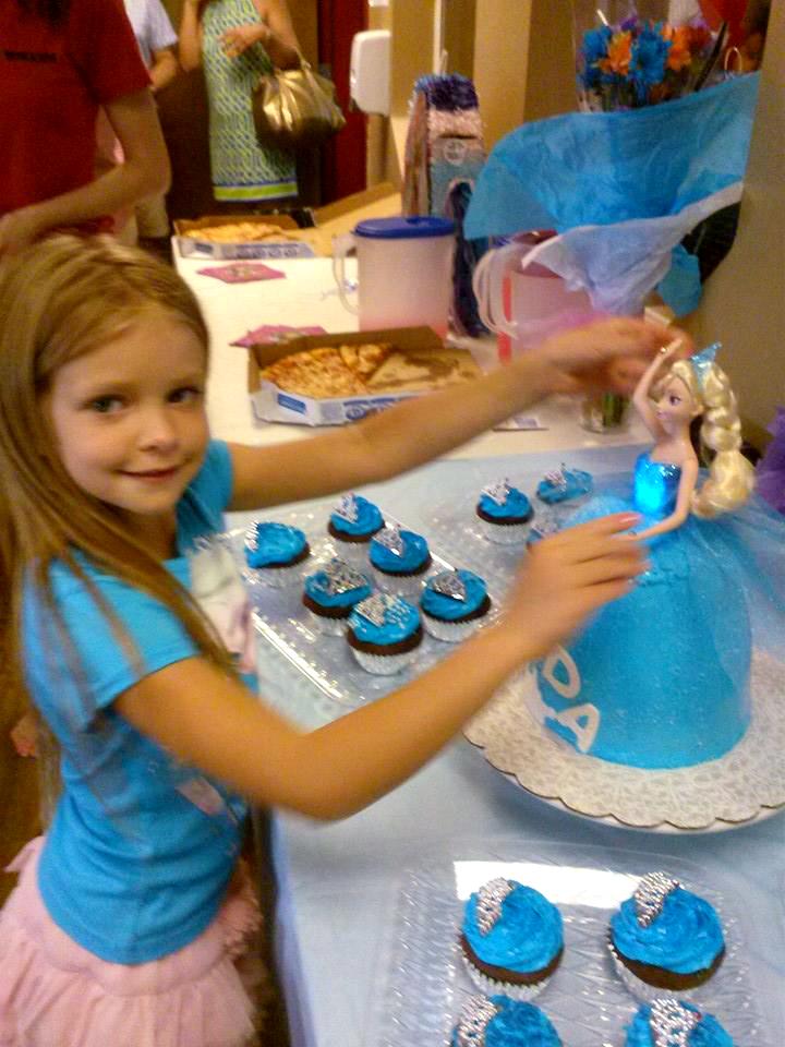 Queen Elsa Frozen birthday cake | The Baking Fairy