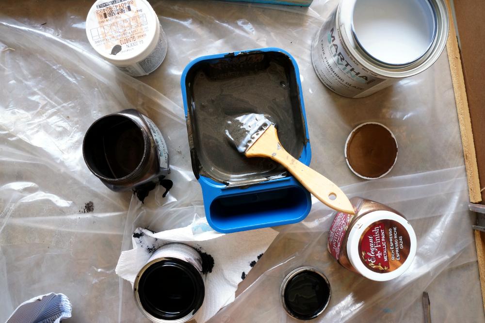 homemade Martha Stewart Black Coffee Metallic Glaze | The Baking Fairy
