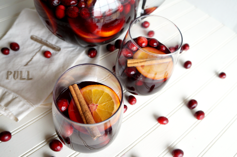 spiced cranberry orange sangria | The Baking Fairy