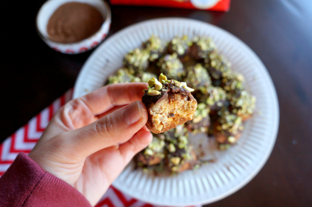 pandoro {Italian Christmas cake} truffles | The Baking Fairy