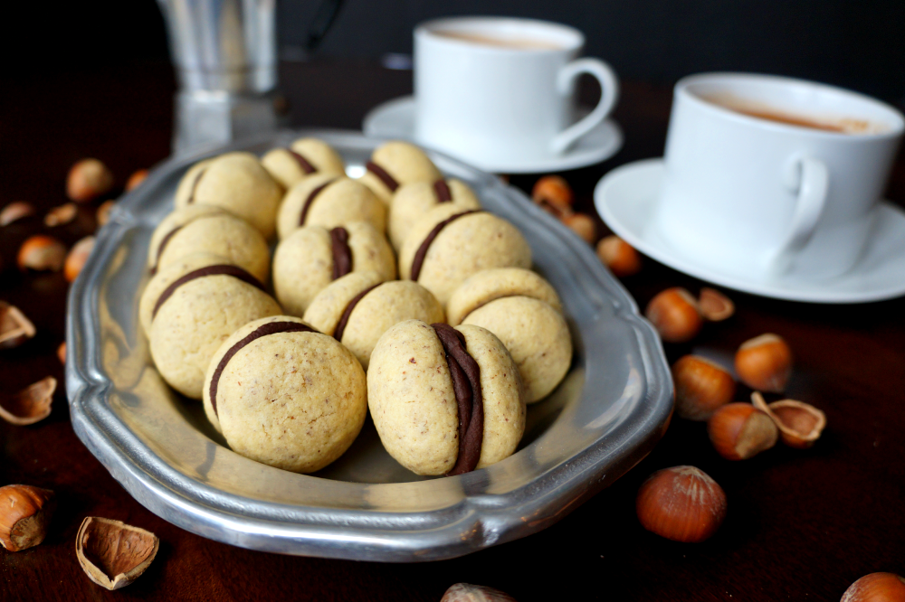 baci di dama {chocolate hazelnut cookies}