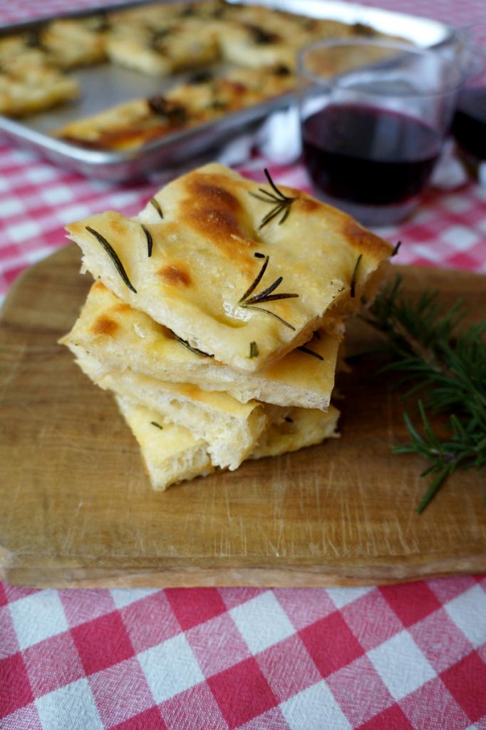 rosemary focaccia bread | The Baking Fairy