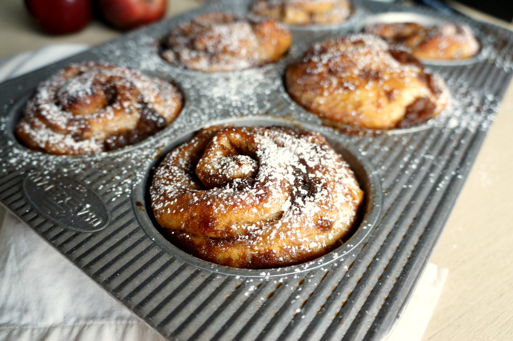 chai & pear cinnamon rolls | The Baking Fairy