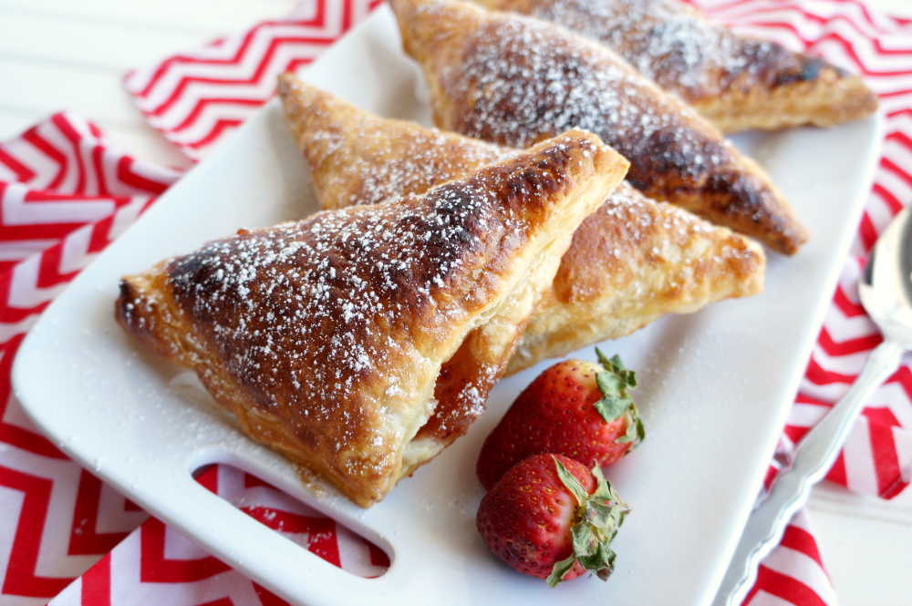 2-ingredient strawberry turnovers | The Baking Fairy