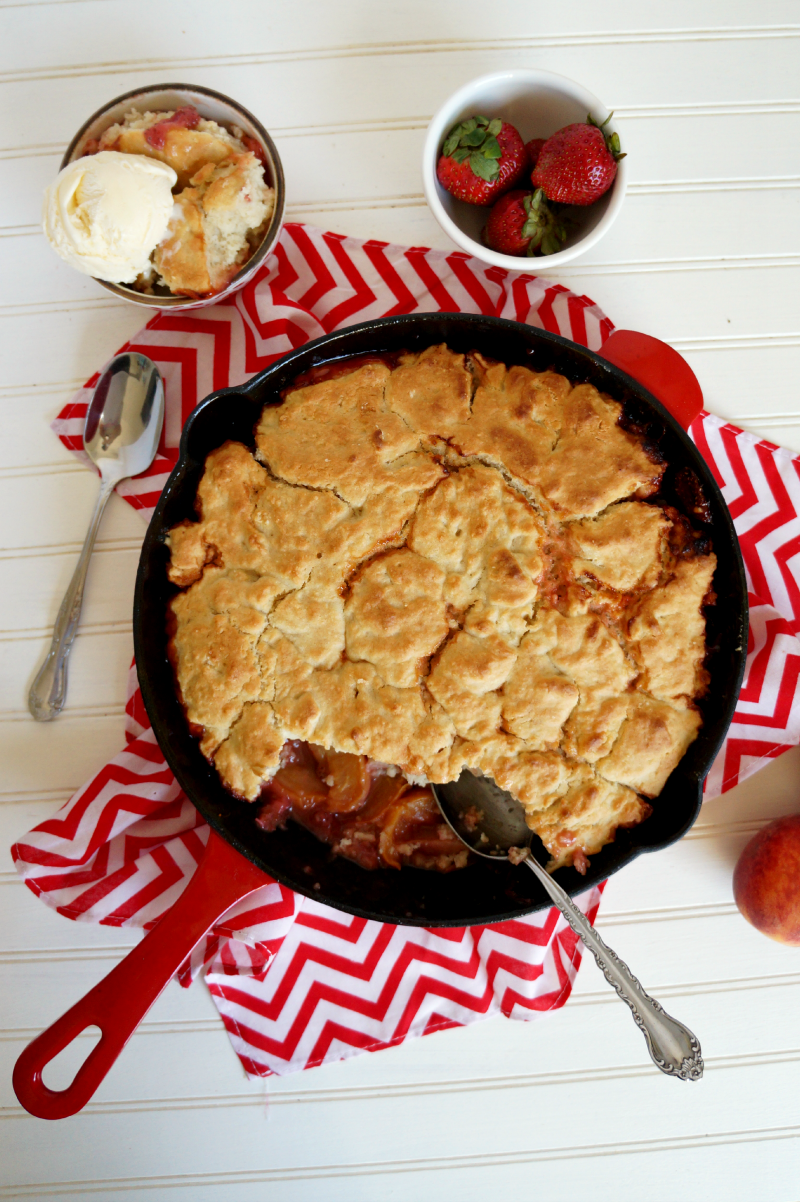 {vegan} strawberry peach cobbler | The Baking Fairy