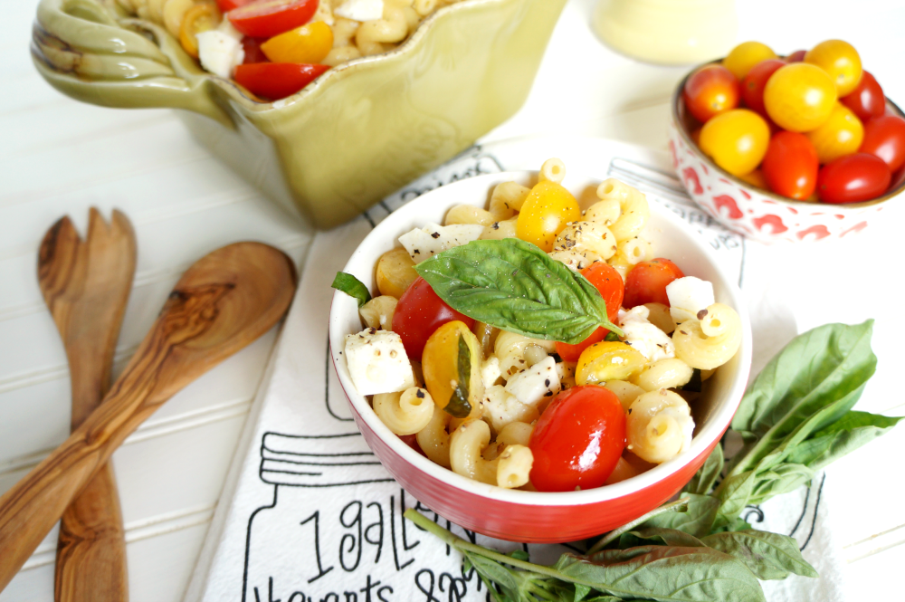 caprese pasta salad | The Baking Fairy