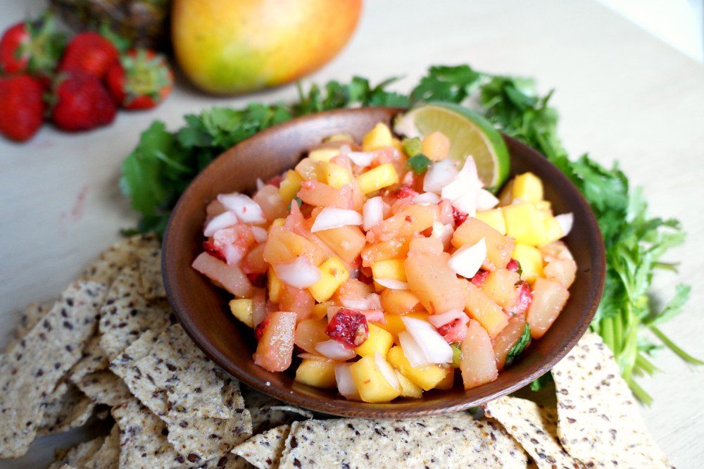 sweet & spicy tropical fruit salsa | The Baking Fairy