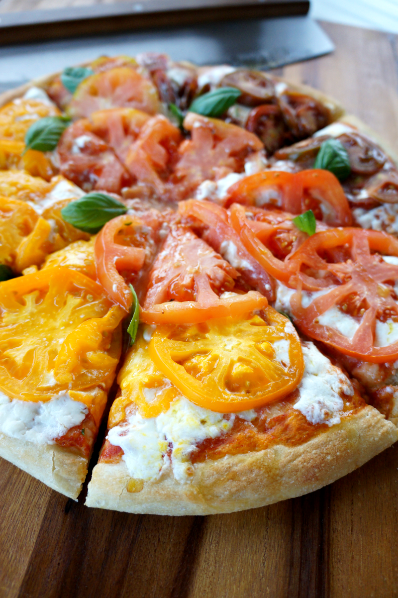 heirloom tomato and burrata pizza | The Baking Fairy
