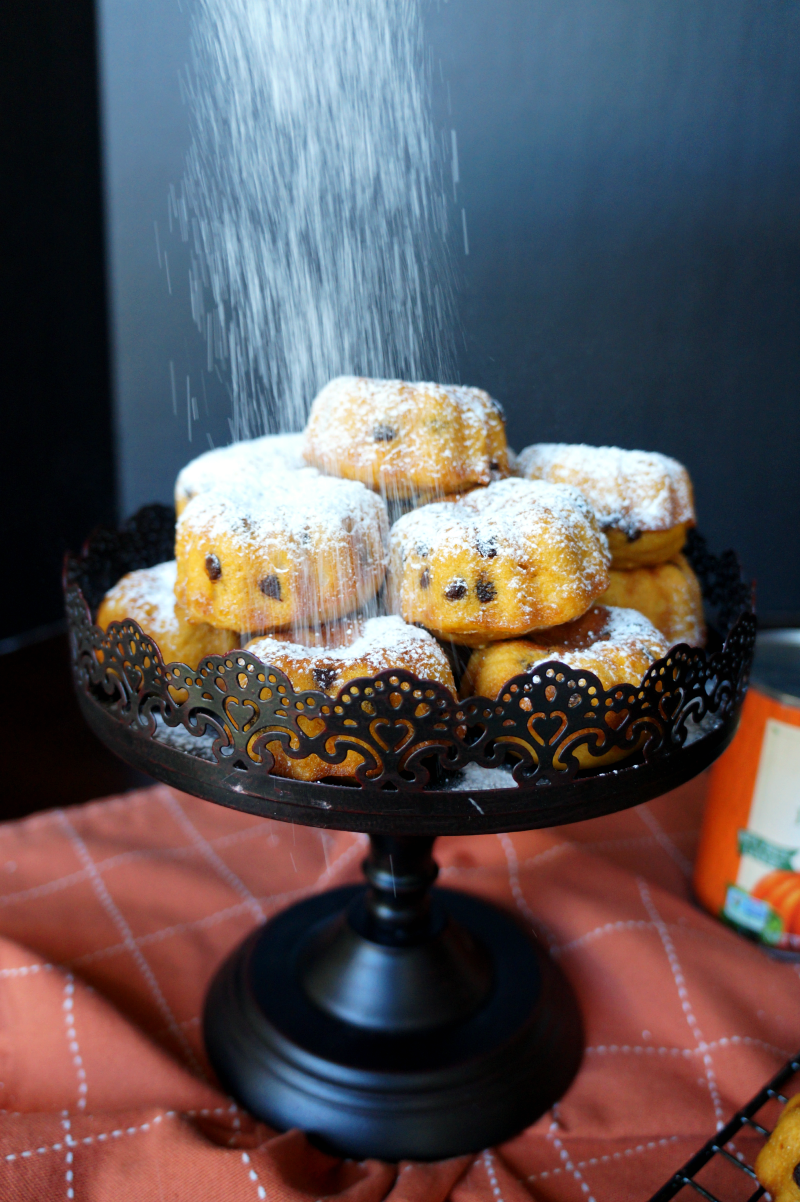 pumpkin chocolate chip bundt bites | The Baking Fairy