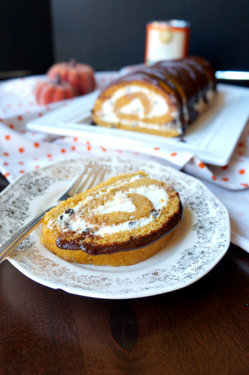 chocolate pumpkin roll | The Baking Fairy