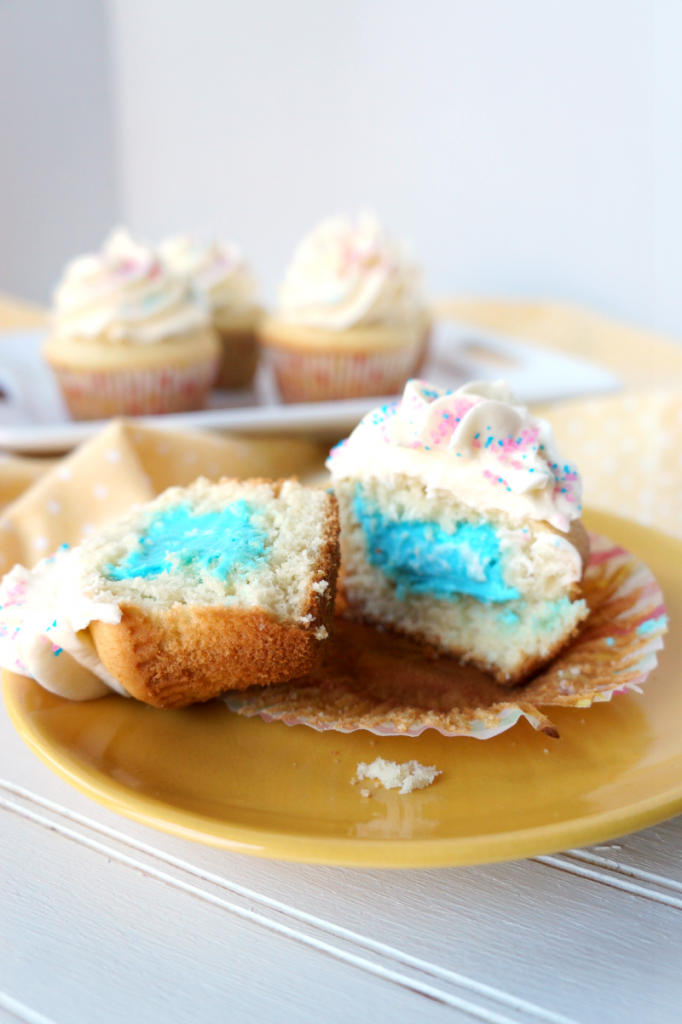 simple gender reveal cupcakes