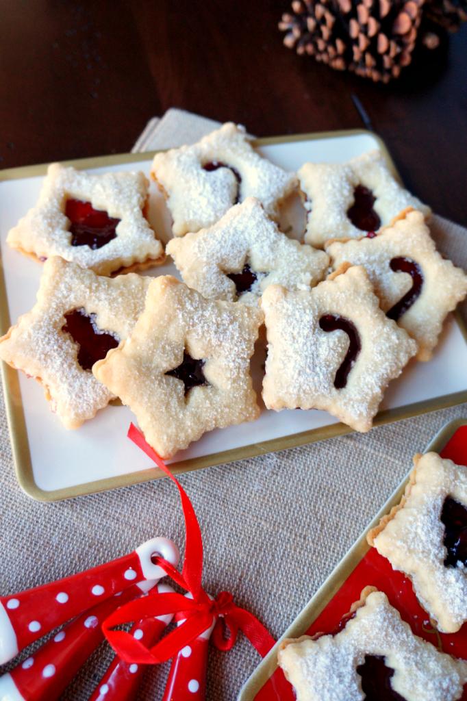 berry linzer cookies
