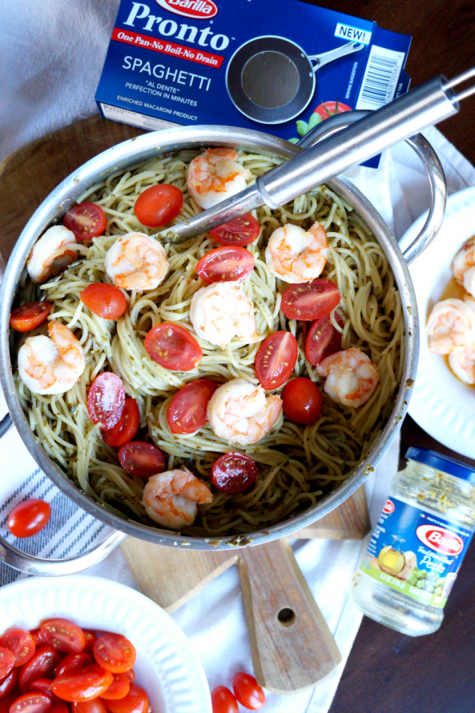one-pot shrimp pesto spaghetti