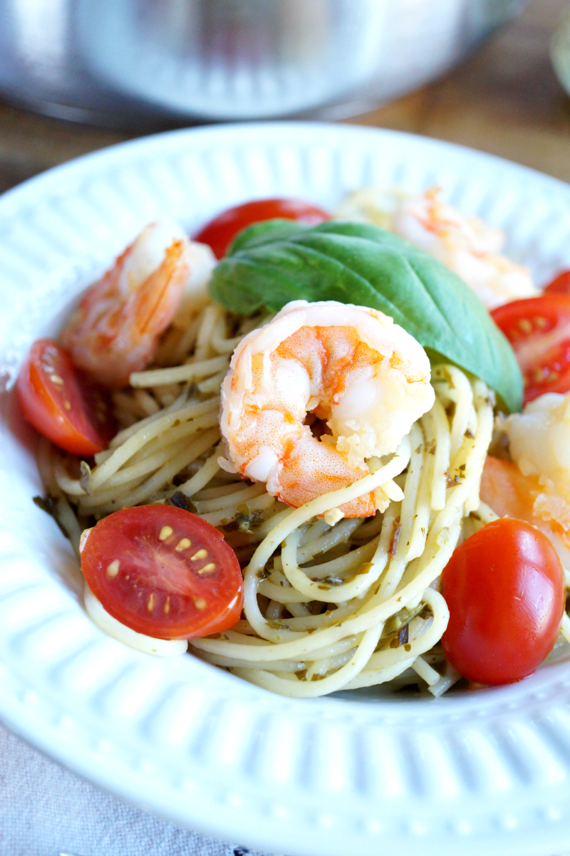 one-pot shrimp pesto spaghetti | The Baking Fairy