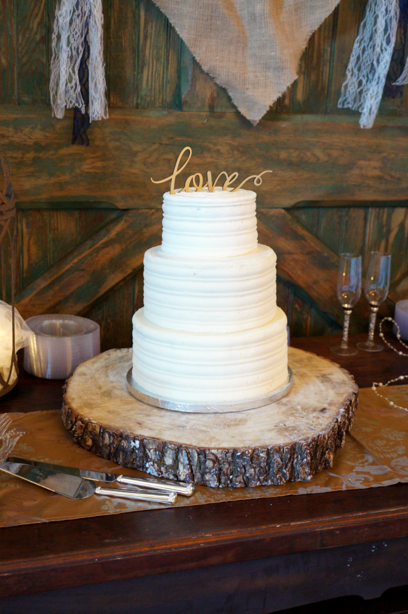 simple rustic wedding cake | The Baking Fairy
