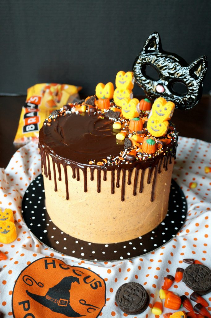 Halloween cookies & cream cake