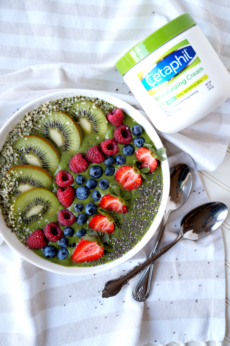 rainbow green smoothie bowl | The Baking Fairy