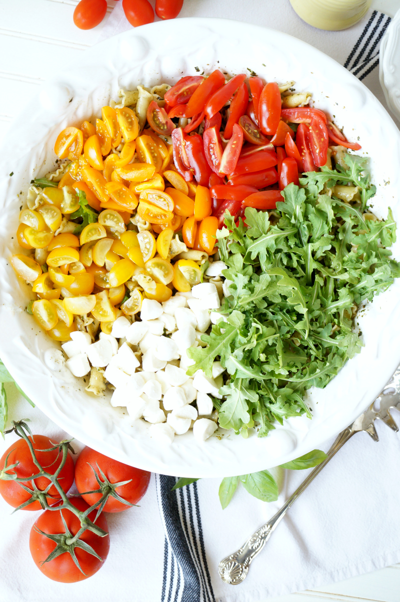 tomato & mozzarella pesto pasta salad | The Baking Fairy