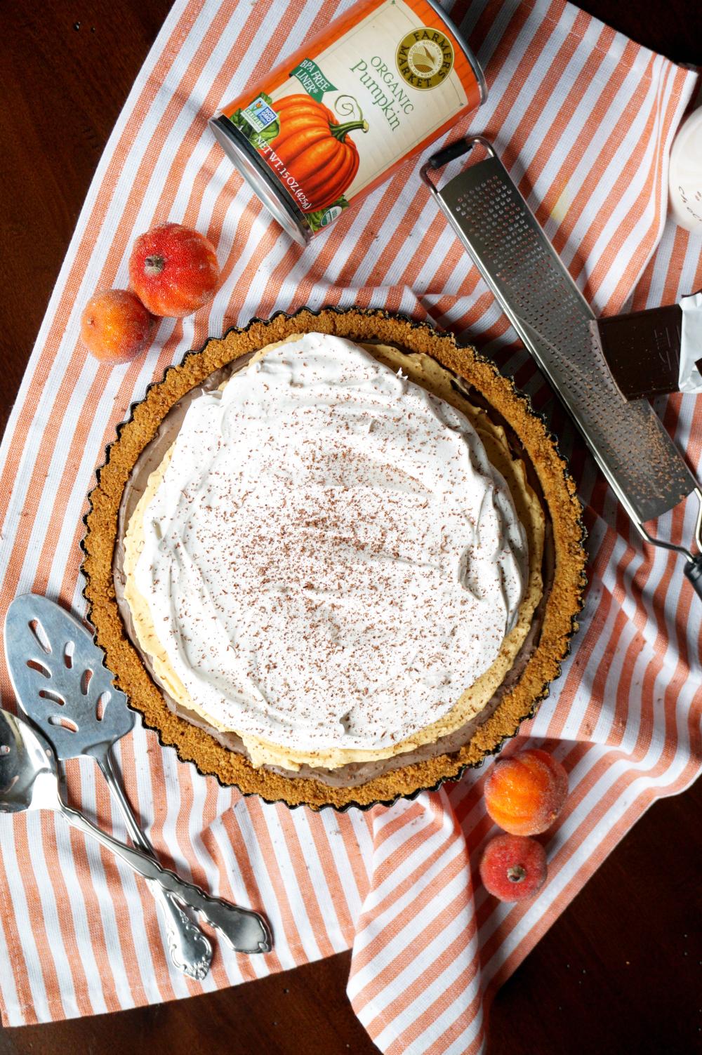 no-bake dark chocolate pumpkin cheesecake | The Baking Fairy