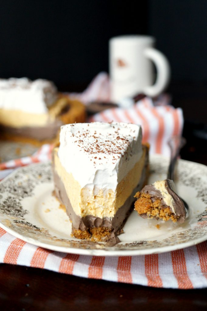 no-bake dark chocolate pumpkin cheesecake
