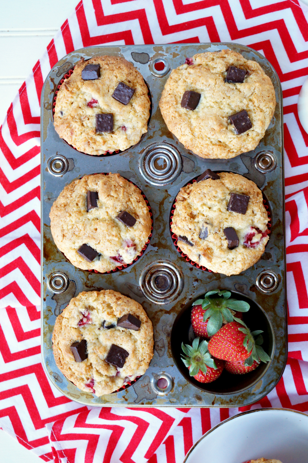 strawberry dark chocolate chunk muffins | The Baking Fairy