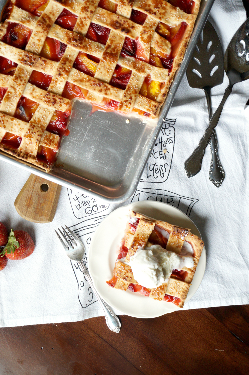 vegan strawberry, mango, and peach slab pie | The Baking Fairy
