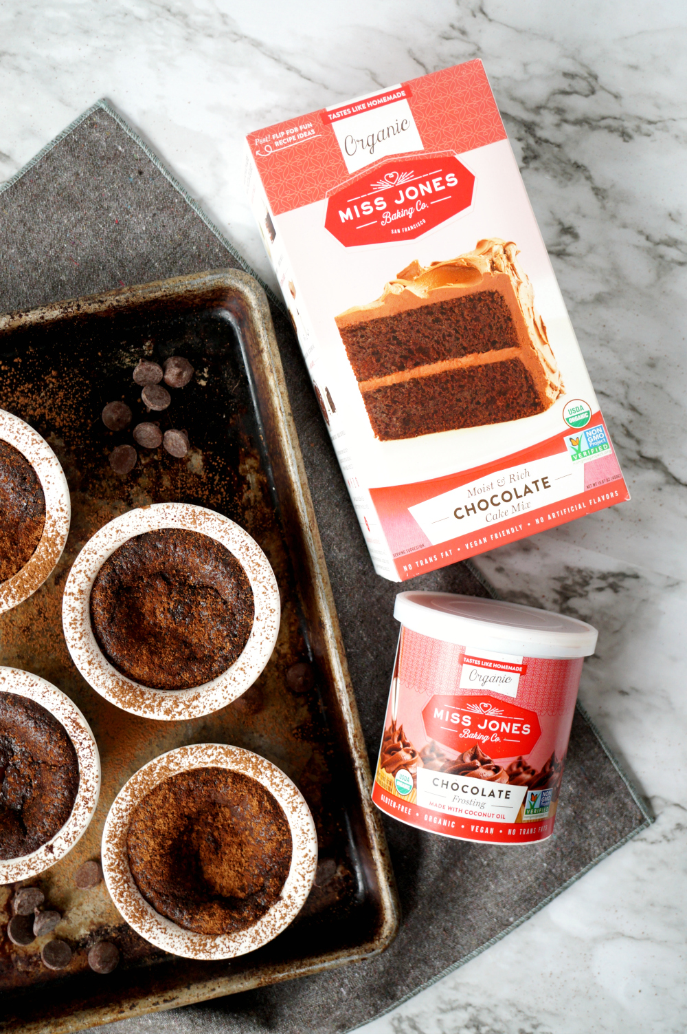 super easy vegan molten chocolate cakes {with cake mix!} | The Baking Fairy
