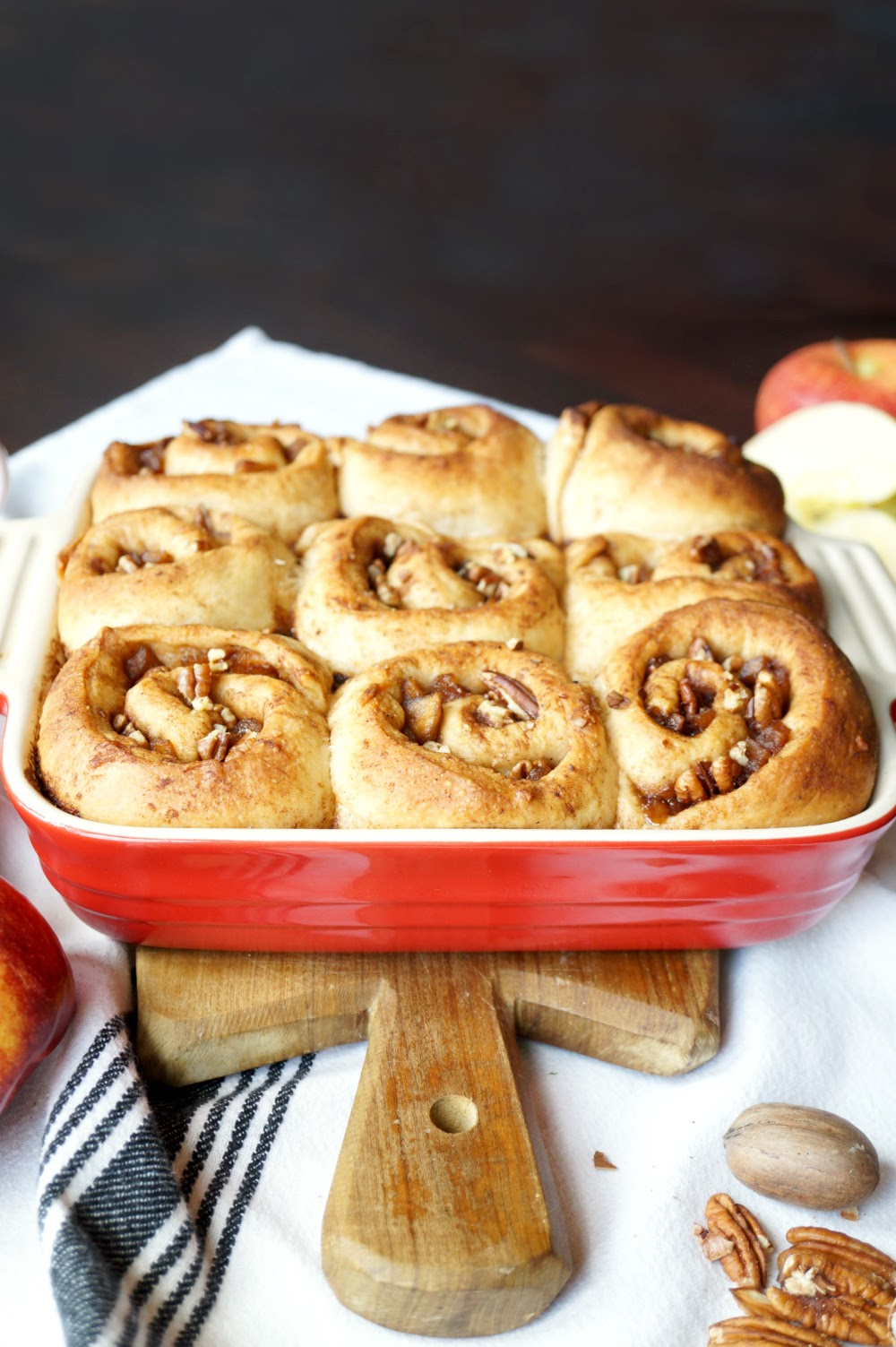 vegan apple pie cinnamon rolls #AppleWeek