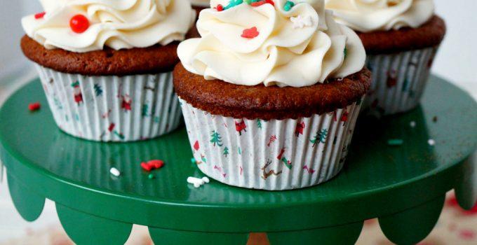 vegan gingerbread cupcakes with eggnog frosting #ChristmasSweetsWeek