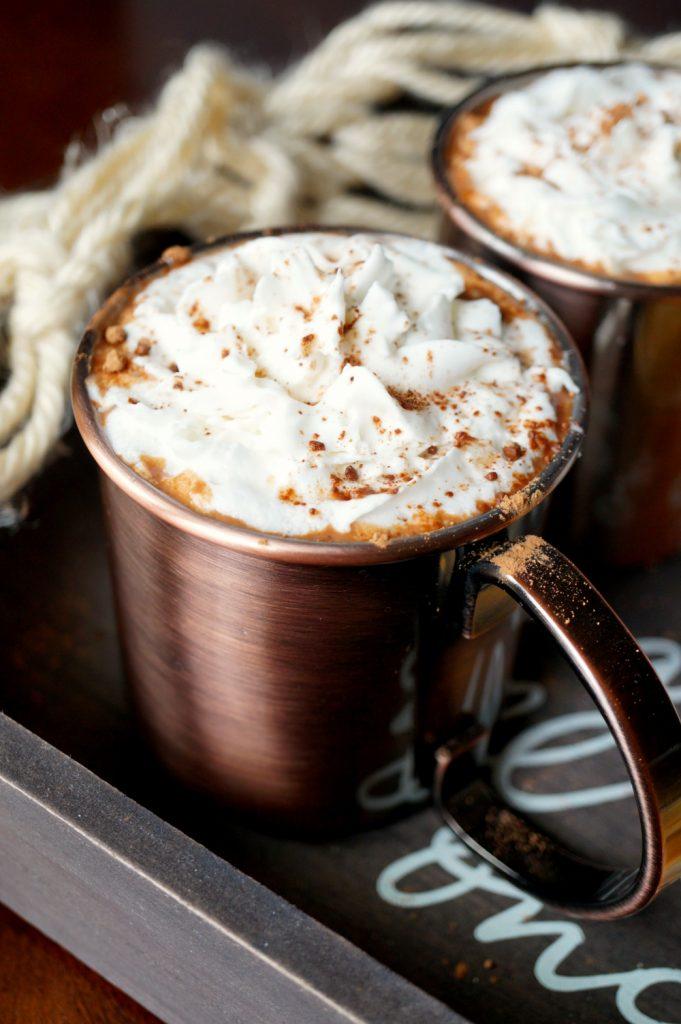 vegan date sweetened hot cocoa | The Baking Fairy