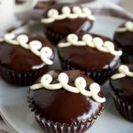 close up of hostess cupcakes