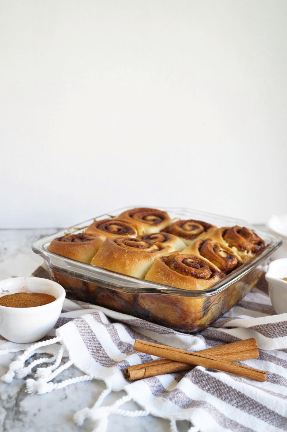 pan of plain cinnamon rolls