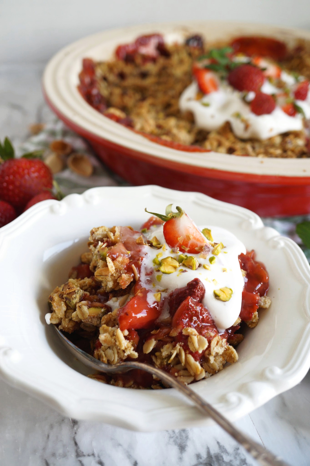 bowl of strawberry crisp