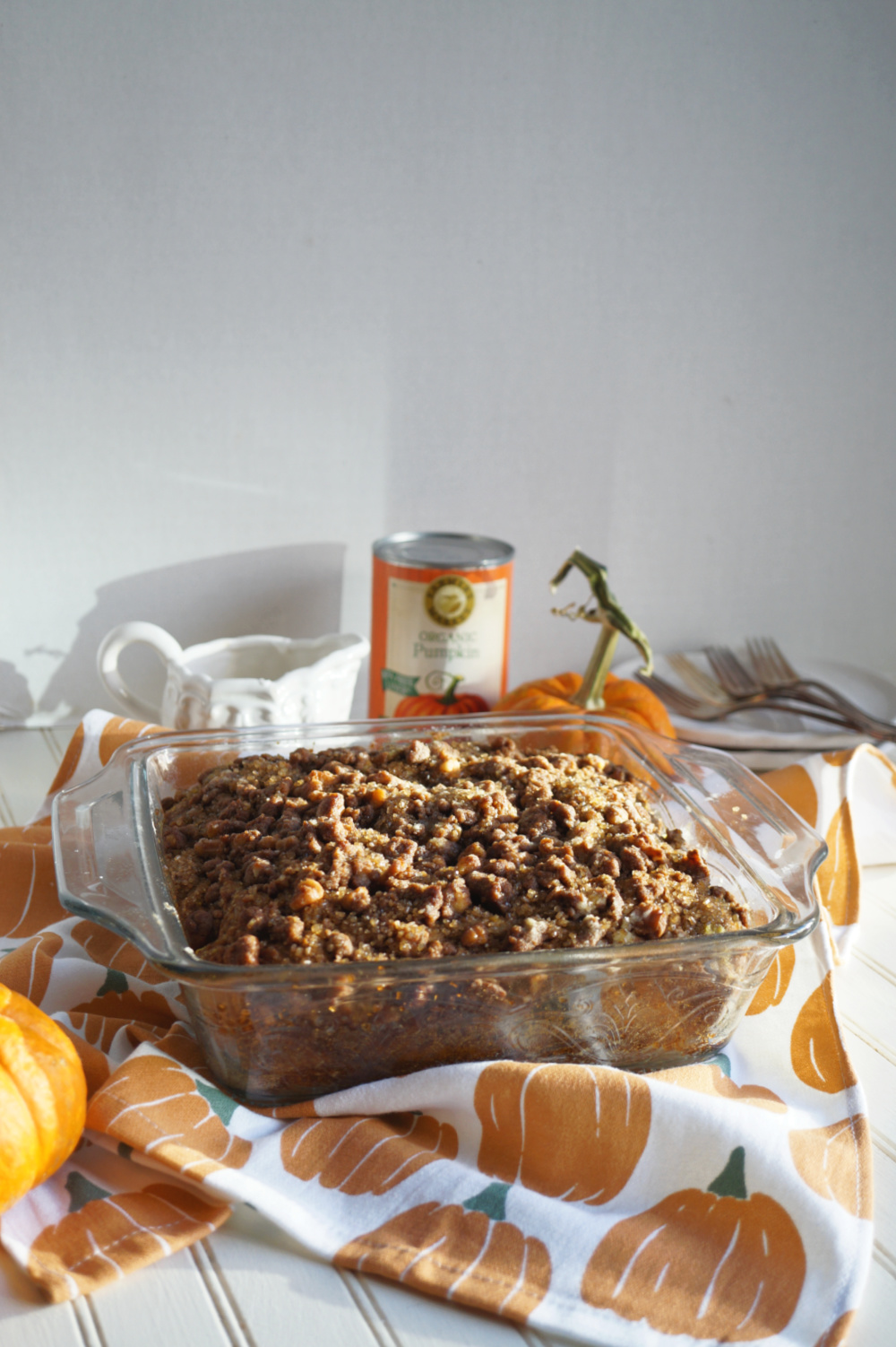 pan of coffee cake with crumble topping