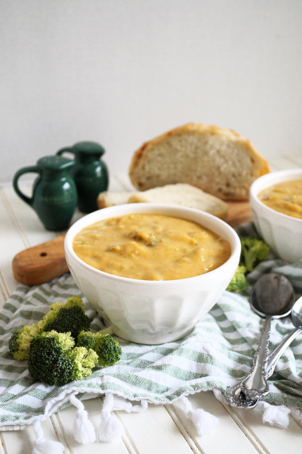 plain bowl of vegan broccoli cheese soup