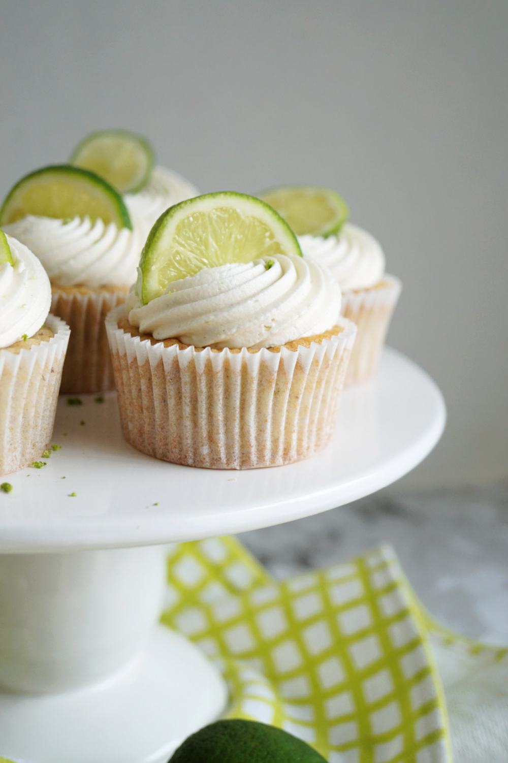 cupcake on cake stand